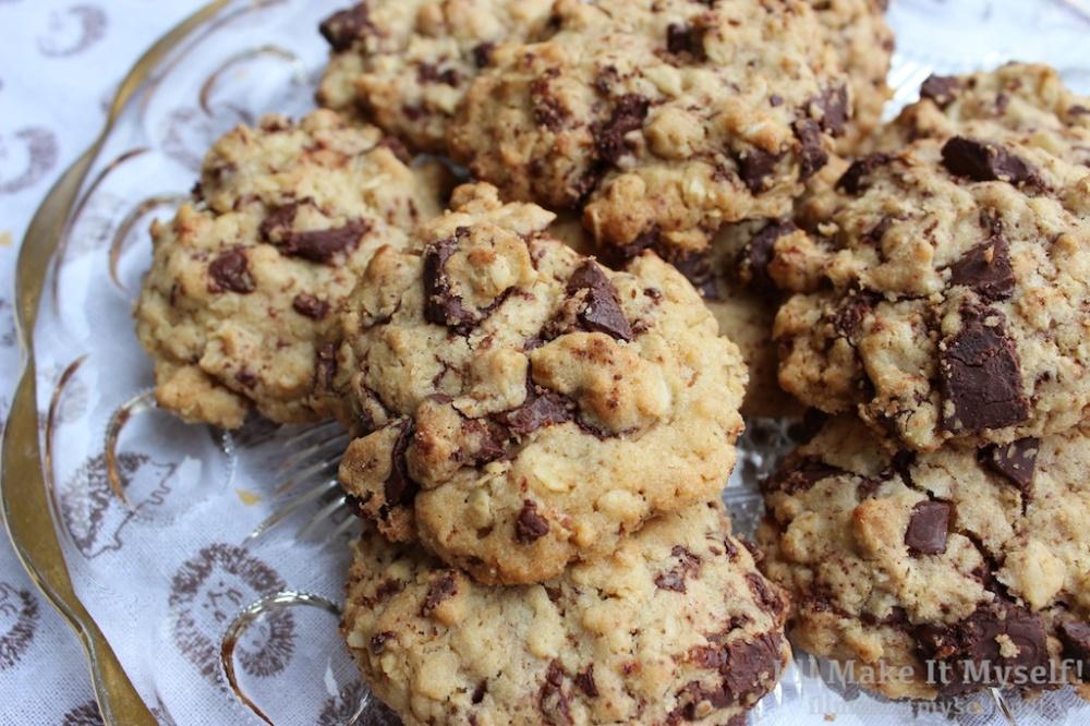self-care-oatmeal-chocolate-chunk-cookies-ill-make-it-myself-3-1